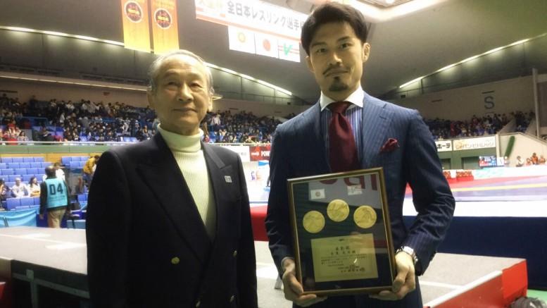 koji-furusato-named-the-wrestler-of-the-year-2017_2
